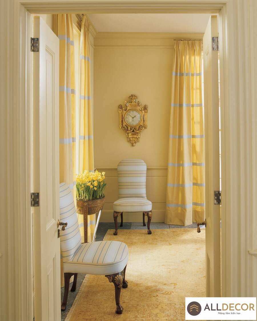 rèm sọc vàng cho tường vàng